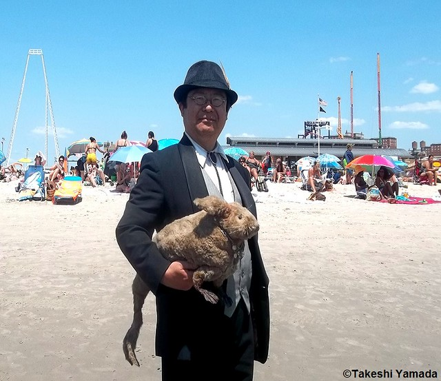 Dr. Takeshi Yamada and Seara (sea rabbit) at the Coney Island Beach in Brooklyn, New York on July 25, 2014. 20140725 100_3408===CC