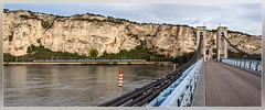 SNCF TGV, Viviers 15.10.2014 (VTZK) Tags: bridge test france water train river evening eau zug rhône brug avond soir brücke tgv trein sncf fleuve rivier viviers