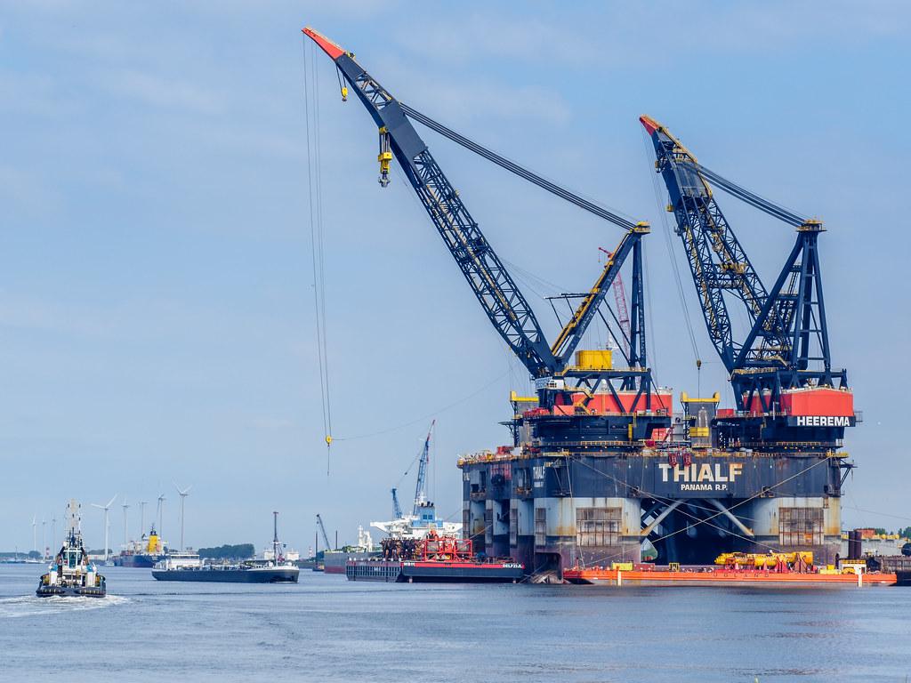 Kraanwerkschip Thialf - Calandkanaal - Port of Rotterdam (Frans Berkelaar)  Tags: rozenburg zuidholland