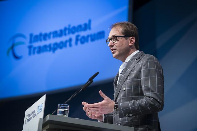 Alexander Dobrindt speaking