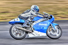 Chris Jones, No 77, Rd 3 PCRA Champs, Sydney Motorsport Park (North Circuit), Easter (brettmichal Images) Tags: sigma canon easterncreek lens camera motorcycle racing sydneymotorsportpark 5d mkii rd3 postclassic racers cicuit northern north mk2 ngle cyl 4 stroke blue 77 no chris jones 150500 mm