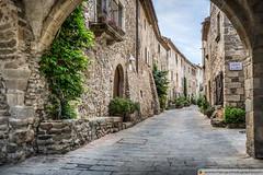 Vilanova Street (Monells, Catalonia) (Marc G.C.) Tags: monells costabrava girona arches architecture gothic arch stone catalonia catalunya village town medieval tourism hdr cataloniaspain