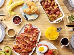 We love to start off the week with a breakfast bacon party! (farmerjohnla) Tags: breakfast la losangeles bacon toast foodies brunch bae baconandeggs farmerjohn lafoodies farmerjohnla