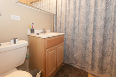 1578.Oak.2.BA (BJBEvanston) Tags: horizontal bathroom furnished 1576 1578 15782 1576oak 1578oak