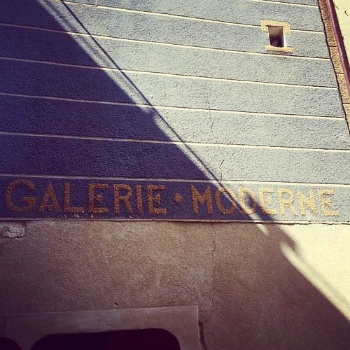 Galerie moderne? #streetphotography