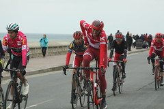 IMG_7522 (Steve Dawson.) Tags: uk england bike race canon eos is 1st yorkshire may tdy scarborough usm roads ef28135mm seafront uci peloton 2016 f3556 50d ef28135mmf3556isusm canoneos50d tourdeyorkshire