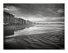 Xixn (Jaime Martin Fotografia) Tags: sea bw blancoynegro beach nature monocromo asturias gijon cantabrico