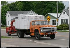 "Ford F-600 ""Riverland"" (uslovig) Tags: chien tree ford truck 5 cab du lorry camion f 600 series service prairie custom lastwagen lkw customcab riverland f600 lastkraftwagen"