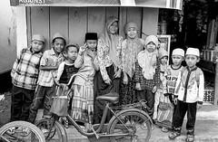 ? (EthanJTWang) Tags: indonesia java kodak iso400 ethan d76 leicam42 leicasummaron35mmf28 kodakdoublex5222 jtwang ethanjtwang