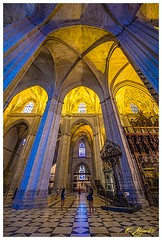 Into the Cathedral of Sevilla (Por ESTEBAN ALEJANDRO) Tags: old religious sevilla arquitectura cathedral stones catedral andalucia historic flickrunitedaward