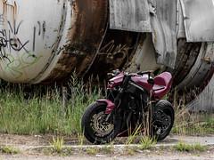 P1200529 (O.Th Photographie) Tags: fighter motorrad blutwurst prchen industrie alt ps gefhrlich grafiti look badboy elbside fighters