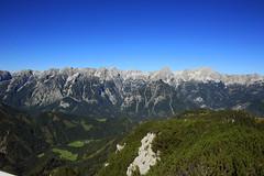 Sommer auf der Hss (rubrafoto) Tags: sommer hss hinterstoder obersterreich berge gebirge totesgebirge gebirgspanorama panorama spitzmauer groserpriel natur landschaft sommerlandschaft tourismus alpinesgelnde wandern wandergebiet wanderer ooe