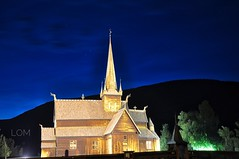 Lom, stavkerk bij nacht (hhw 2009) Tags: noorwegen norway eu lom stavkirke nachtopname augustus 2016 d90 nikon