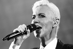 Roxette @ HMH Amsterdam 2015-18 (stonechambermedia) Tags: show bw white black amsterdam marie canon concert tour live per roxette hmh gessle fredriksson