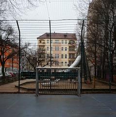 EM - Wochen / Pflgerstrae Ecke Hobrechtstrae / Neuklln (galibier2645) Tags: tor gwb neuklln fusball guesswhereberlin guessedberlin hobrechtstrase pflgerstrase gwbonnola emwochen