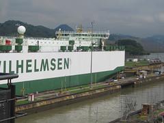 """Canal de Panama: mazette, l'énorme bateau ! <a style=""""margin-left:10px; font-size:0.8em;"""" href=""""http://www.flickr.com/photos/127723101@N04/27300504276/"""" target=""""_blank"""">@flickr</a>"""