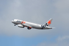 Jetstar Japan Airbus A320-200 JA19JJ (ta152eagle) Tags: 成田空港 jjp a320200 rjaa ja19jj
