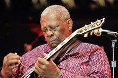 B.B. King (Joao Eduardo Figueiredo) Tags: show musician music usa chicago festival musicians mississippi star us concert nikon king cross audience guitar live stage gig crowd group performance band roots blues icon legendary stages entertainment musical artists legends tribute roads awards tradition fest venue performers grammy act appearance bluesman bbking performances acts diabetes bluesmen indianola chicagobluesfestival petrillo joaofigueiredo joaoeduardofigueiredo