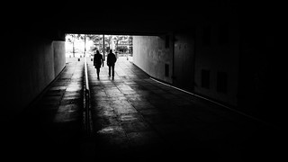The couple - Dublin, Ireland - Black and white street photography