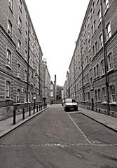 'Peabody Monochrome' - 146/365 (EZTD) Tags: london buildings foto photos photographs fotos londres lin islington londra ec1 londinium day146 londonboroughofislington dufferinstreet londonist fotograaf londonengland 2015 aphotoaday whitecrossstreet peabodyestate project365 p365 aphotoadayproject londonimages imagesoflondon 365photosinayear eztd eztdphotography photograaf canonpowershotsx240hs eztdphotos londonimagenetwork 3652015 photosdelondres daybyday2015 2015inpictures