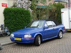 Ford Escort 1.6 cabrio 1989 Apeldoorn (willemalink) Tags: ford 1989 16 cabrio escort apeldoorn