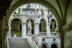Palazzo Ducale Venice (Zeger Vanhee) Tags: venice texture water gondolas vaporetto stmarco medievalarchitecture veniceviews doguepalace