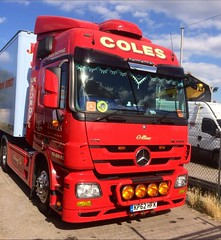 KP62 HFK - COLES - JA COLES - MERCEDES ACTROS (lewmanuk) Tags: truck mercedes trucking removals v6 dutchstyle orangelights haulage mercedestruck actros uktrucks mercedesactros removaltruck hollandstyle uktrucking londontruck