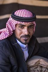 Wadi Rum - Bedouin (Rolandito.) Tags: portrait east jordan rum middle wadi jordanien bedouin jordanie jordania beduine