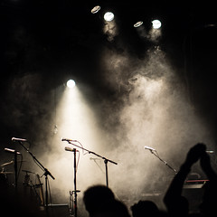 The Music's gone, but you keep on clapping (Al Fed) Tags: music lights concert hands waiting tour stuttgart empty stage extra clapping calexico wizemann 20160501