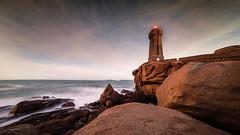 mean ruz, Ploumanach (o.fouillard) Tags: ocean mer sunrise bretagne ciel nuage nuit phare rocher littoral poselongue granitrose