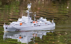 escorteur (2) (janssen.bruno) Tags: gris eau bateaux lacs guerre maquettes modélisme navires croiseur