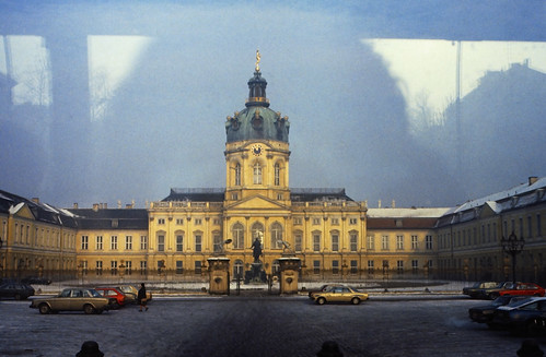 "03 Berlin-Klassenfahrt 1978: Schloss Charlottenburg • <a style=""font-size:0.8em;"" href=""http://www.flickr.com/photos/69570948@N04/18072835855/"" target=""_blank"">View on Flickr</a>"