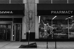 World is your playground (__paulieb) Tags: blackandwhite chicago streetphotography explore
