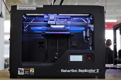 MAKERBOT 3D PRINTER (hinadave09) Tags: ny newyork america us 3d unitedstates north production americas americ|usa technology|electronic northeast|tech electronics|printer printer|manufacture manufacturing|produce