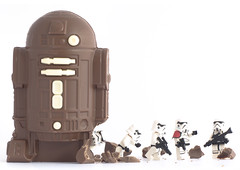 How to infiltrate a Rebel base (tomtommilton) Tags: lego starwars stormtrooper droid r2d2 chocolate trojan horse troy empire macro food afol funny humour toy toyphotography