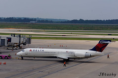 Delta ~ Boeing 717-2BD ~ N926AT (jb tuohy) Tags: plane airplane airport charlotte aircraft aviation jet delta transportation airline airliner avion planespotting boeing717 clt n926at b712