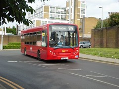 7 July 2016 Clapham Junction (10) (togetherthroughlife) Tags: 2016 july claphamjunction battersea bus se16 219 londongeneral lx07bya