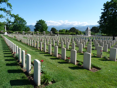 Monte Cassino - the Commonwealth War Cemetery (5)
