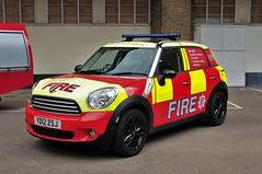 London Fire Brigade, Mini Cooper. YD12 ZSJ (standhisround) Tags: london fire mini minicooper emergency lambeth response 999 battenberg londonfirebrigade lfb instantresponse minicountryman yd12zsj