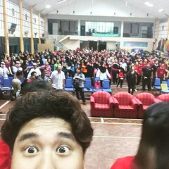 Omg so many people!! Thanks for the overwhelming #enthusiastic #reception #Kuching #scouts! #http:// #peoplemountainpeoplesea #人山人海 #latergram #selfie #selca #셀까 #wefie #groupfie Find out more about the #180th #pccrovers #iproj2015 to #malaysia and #singa