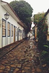 Charme paratiano (koheka) Tags: beautiful beauty rain brasil riodejaneiro paraty stones chuva charm pedras charme antiguidade ruadepedra