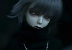 Waiting for the night (Mientsje) Tags: boy white male men guy angel ball dark doll skin vampire gothic goth dream super sd ricardo bjd hybrid abjd vamp jointed aod dolfie napidoll