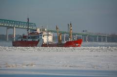 2009Jan-Frimas-18 (jdbrochu) Tags: photographie hiver troisrivieres bateau rivage laneige pleinair vieuxtroisrivieres