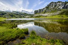 lagos de covadonga (carlosferreira85) Tags: paisaje asturias covadonga lago reflejo nikon tamron montaa