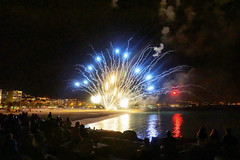 Gloria a les Santes (Fnikos) Tags: lessantes festamajor mataro matar sea sky skyline night nightview city people celebration fireworks outdoor