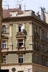 Breathe in reality (emocjonalna) Tags: architektura architecture windows ventanas okna finestras tenement praha prague ceska republika czechrepublic europe