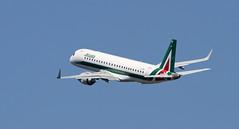 Alitalia Cityliner / Embraer ERJ-190STD / EI-RNE (vic_206) Tags: bcn lebl alitaliacityliner embraererj190std eirne canoneos7d canon300f4liscanon14xii