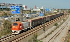CARGOMETRO (Andreu Anguera) Tags: cargometro seat transporteporferrocarril locomotora35301 fgc ferrocarrilsgeneralitat catalunya cornellá andreuanguera