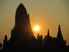 Ayutthaya - Wat Chai Watthanaram (eltpics) Tags: eltpics thailand ayutthaya wat buddhism buddhist ruins romantic sunset evening silhouette
