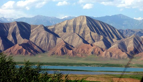 """Unterwegs nach Bishkek • <a style=""""font-size:0.8em;"""" href=""""http://www.flickr.com/photos/144983949@N02/29391343916/"""" target=""""_blank"""">View on Flickr</a>"""
